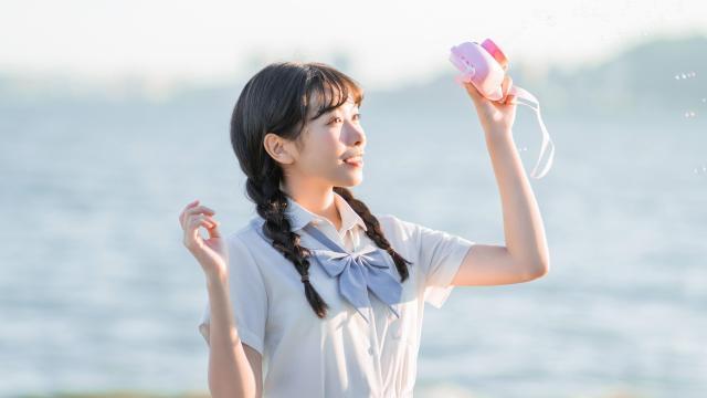日系纯情学生妹甜蜜海边写真插图5