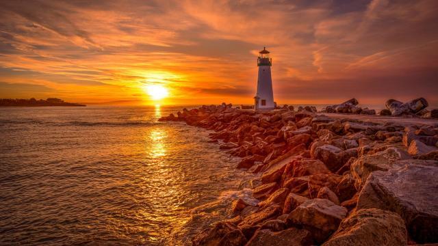 优美的灯塔风光景色图片插图8