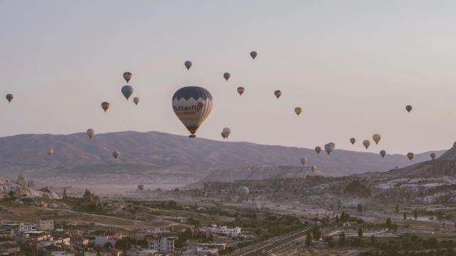 土耳其卡帕多西亚热气球浪漫风景插图8