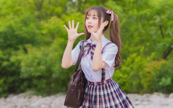 可爱双马尾礼服少女放学后写真插图4