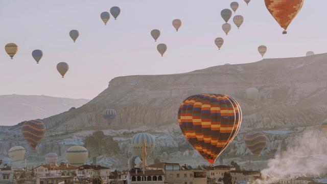 土耳其卡帕多西亚热气球浪漫风景插图2