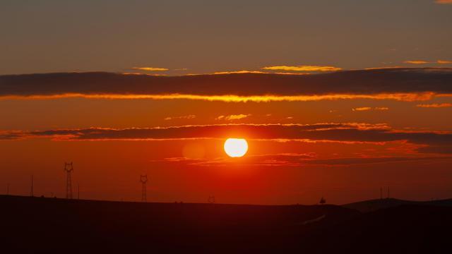 最美的草原日落插图