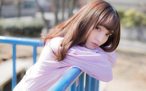 日本纯洁温顺长发玉人三田寺円室外写真插图3