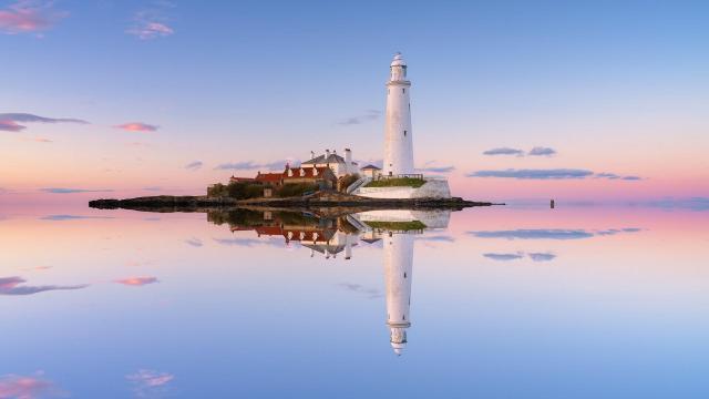 优美的灯塔风光景色图片插图3