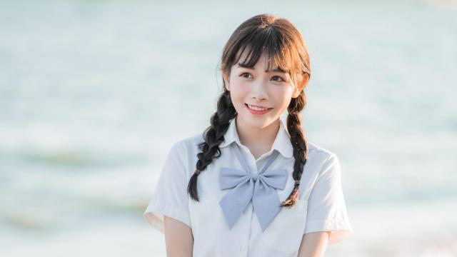 日系纯情学生妹甜蜜海边写真插图6