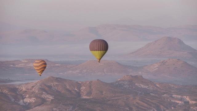 土耳其卡帕多西亚热气球浪漫风景插图5