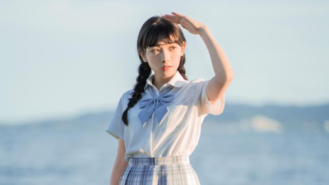 日系纯情学生妹甜蜜海边写真插图4