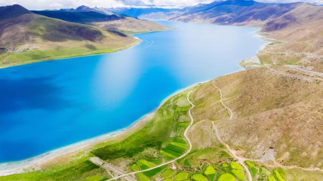 西藏圣湖羊卓雍措国庆旅游风景插图