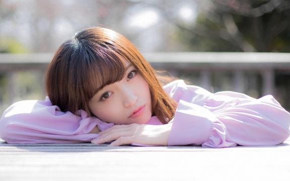 日本纯洁温顺长发玉人三田寺円室外写真插图7