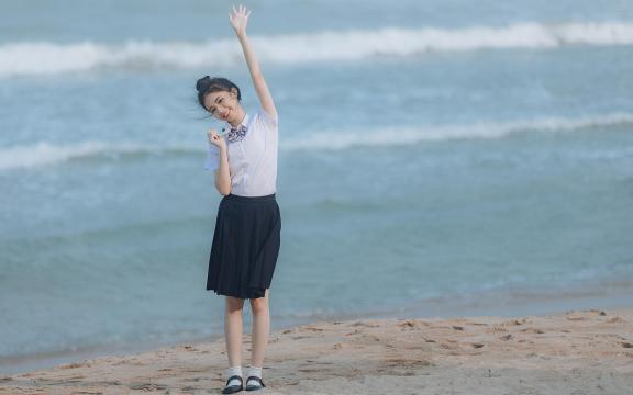 日系元氣少女海邊唯美可愛門生禮服寫真插图5