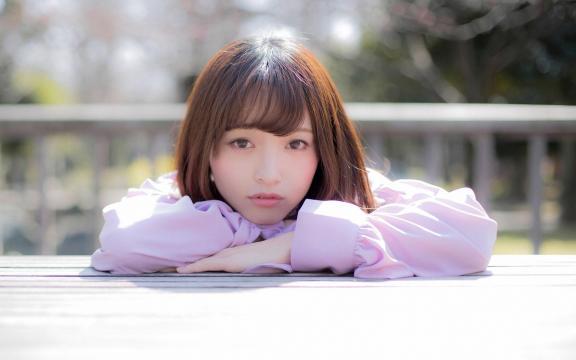 日本纯洁温顺长发玉人三田寺円室外写真插图8