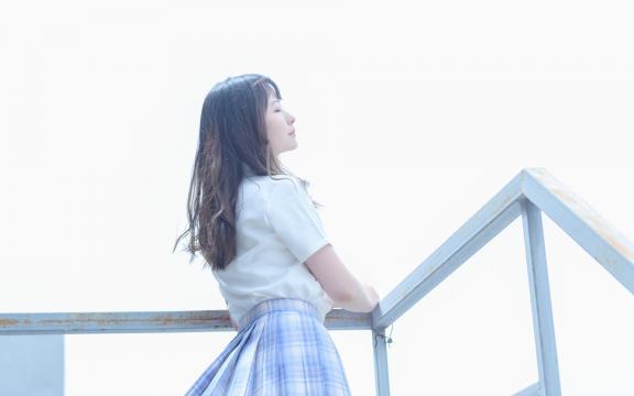 日系纯洁jk礼服少女天台甜蜜可爱写真插图5