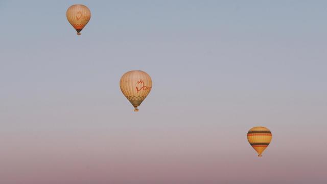 土耳其卡帕多西亚热气球浪漫风景插图4