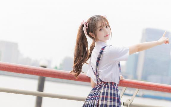 可爱双马尾礼服少女放学后写真插图5