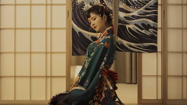 性感诱人的日本和服妹子室内私房照插图5