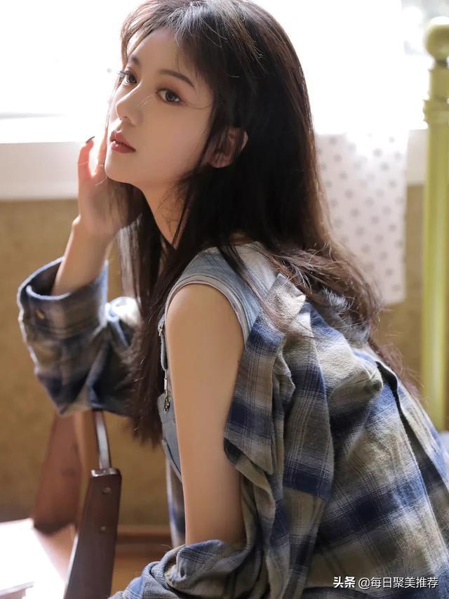 美女写真 精致漂亮的美女模特插图1