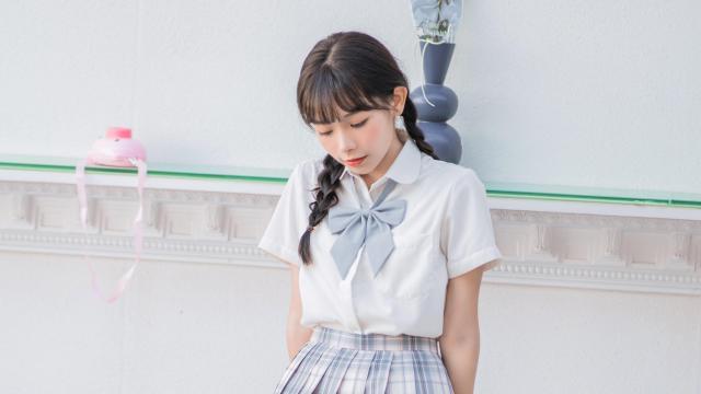 日系纯情学生妹甜蜜海边写真插图3