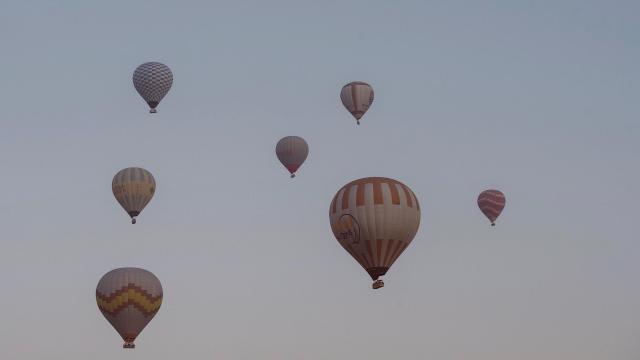 土耳其卡帕多西亚热气球浪漫风景插图7